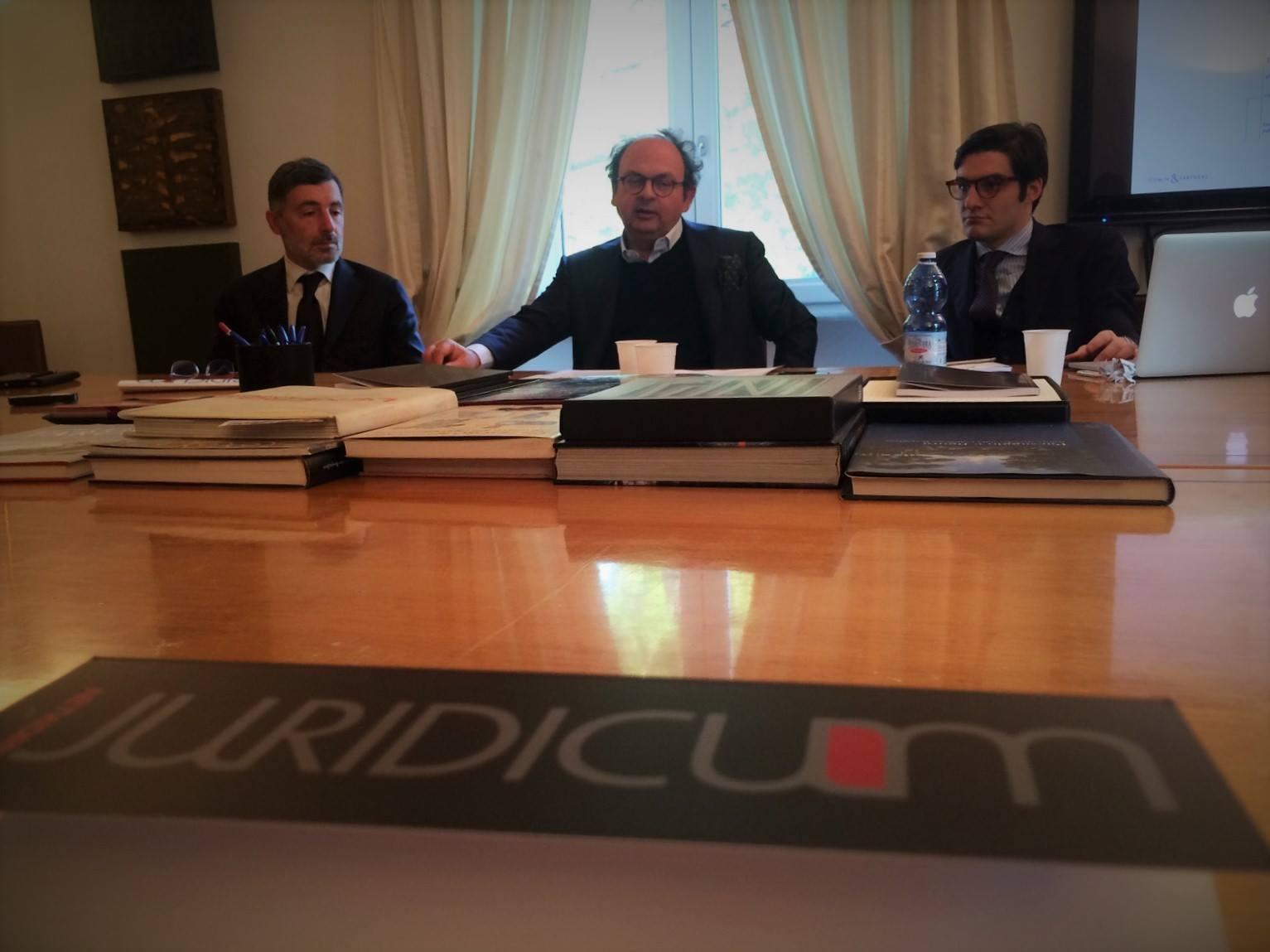 Oggi #relazionicosmiche è a #Roma con Ferpi per una mattinata di formazione su limiti e opportunità dei professionisti in Relazioni Pubbliche e della legge Severino